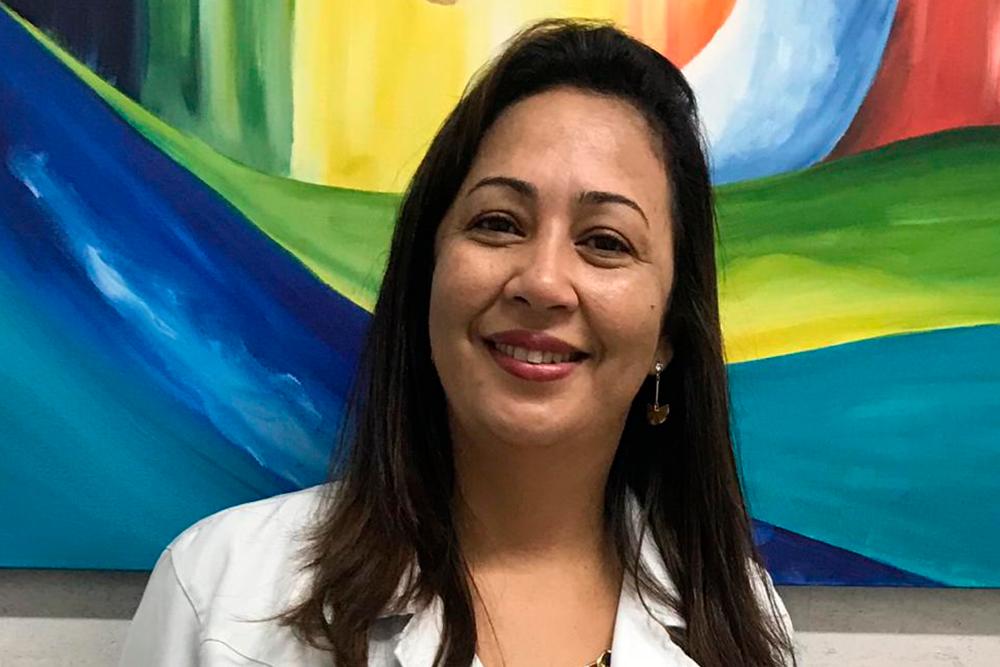 Dra. Elaine Cristina Bispo